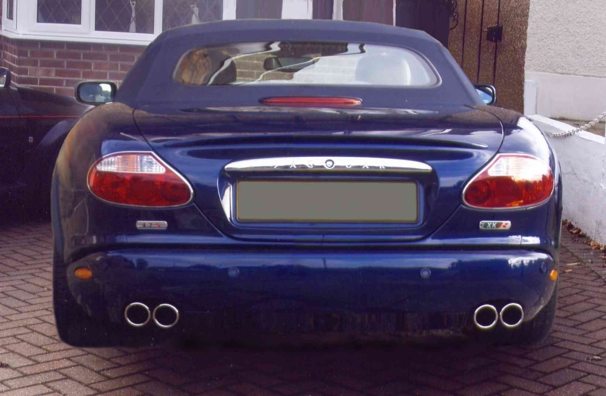 "3"" Twin Tails on XKR"
